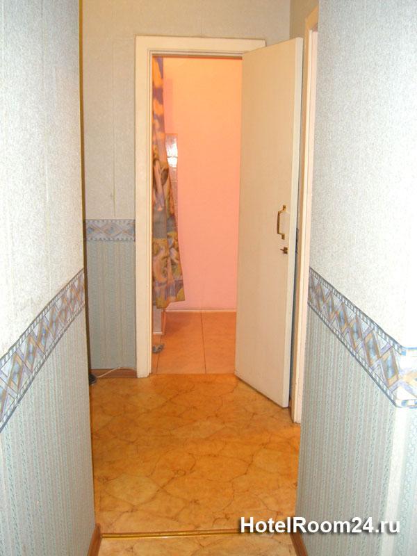 Меблировка: двуспальная...  Спальные места: 2+1.  Расположение: в 3-х минутах пеком от метро Смоленская.